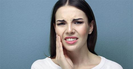 Hausmittel gegen Zahnschmerzen - Wärme & Kälte